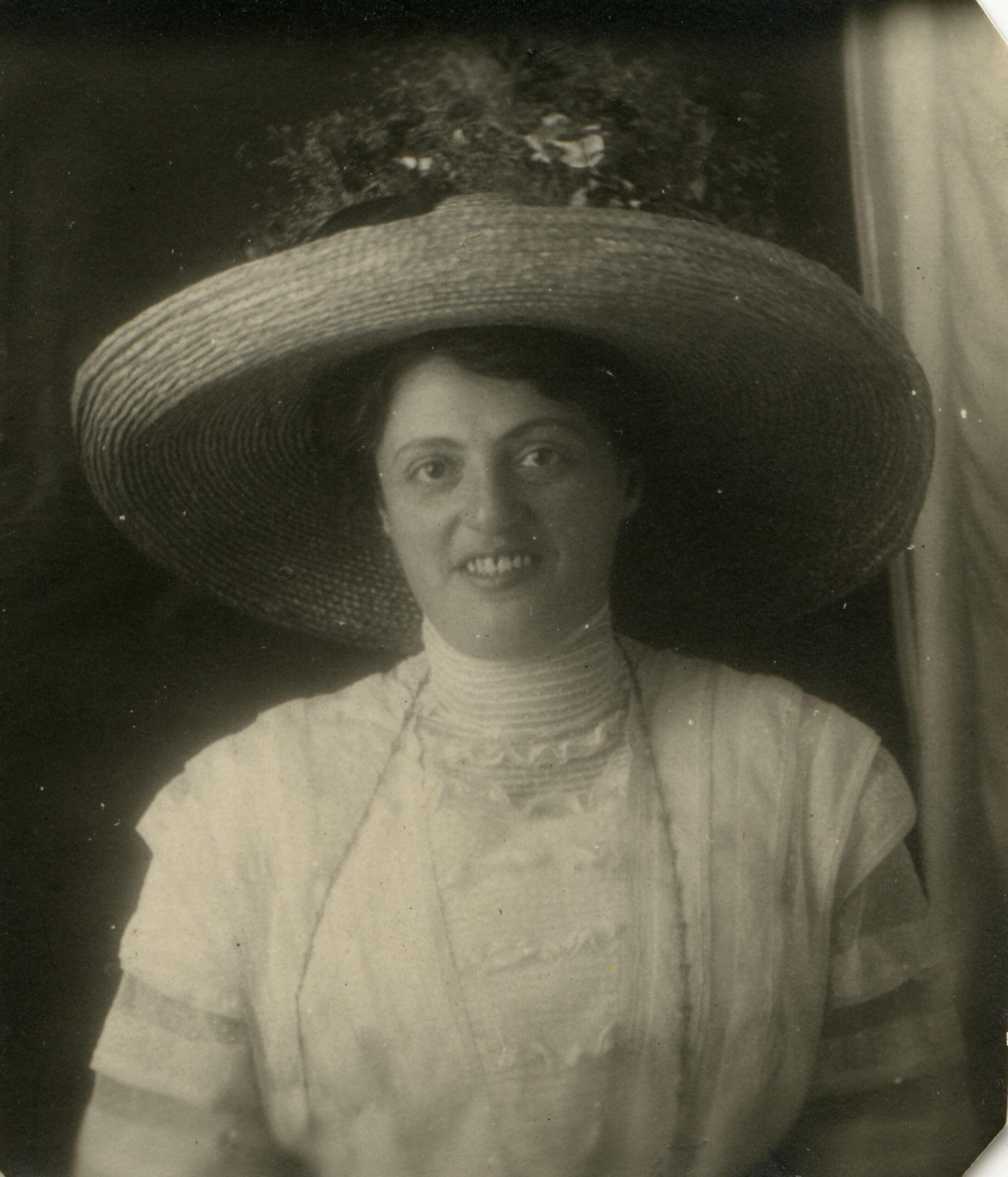 Portrait of Rosa-Bloch-Bollag